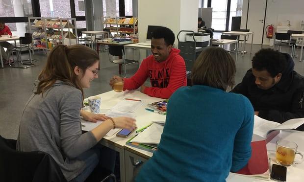 Workshops at Cologne Public Library for refugees Photograph: Sarah Dudek
